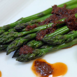 Asparagus with Tomato Pesto Dressing
