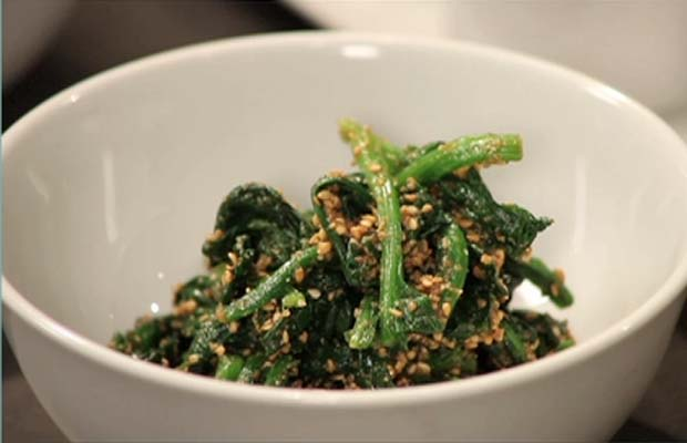Spinach Sesame and Ginger Salad