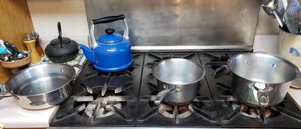 Pans for caramel sauce